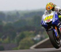 Valentino Rossi Yamaha Wallpaper HD