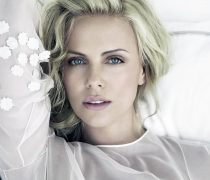 Wallpaper de la actriz, Charlize Theron, en HD.